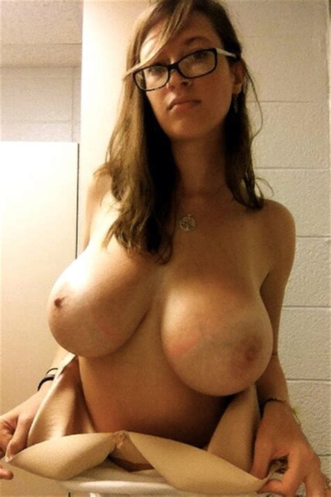 amateur girl with glasses and some huge boobs porn pic eporner