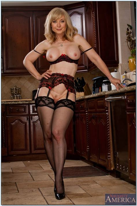 Nerdy Looking Blond Mature Porn Star Nina Hartley Milf Fox
