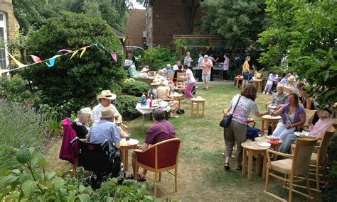 garden party hermes  review secret garden party