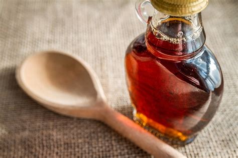 maple syrup substitute need a honey substitute these 10 vegan options are truly buzz worthy wink peaceful dumpling