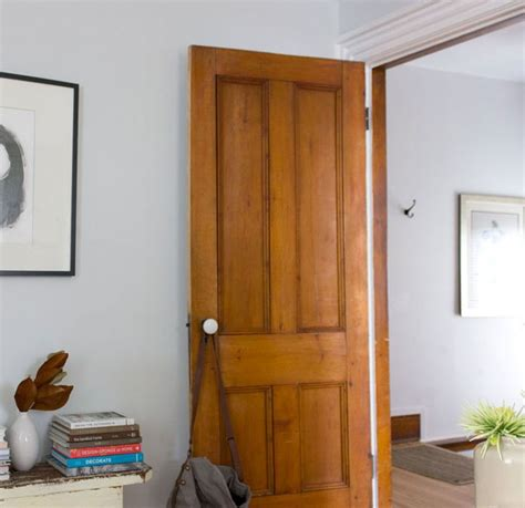 paint colours that go with natural wood trim house