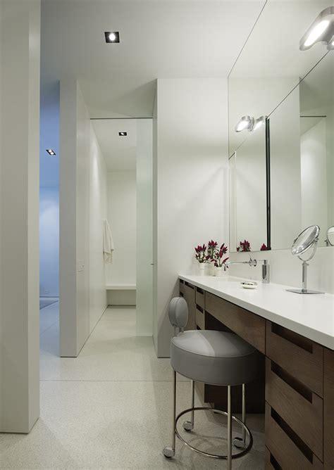 glamorous vanity desk  mirror convention chicago