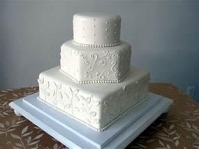 white wedding cakes cakebee black white wedding cakes
