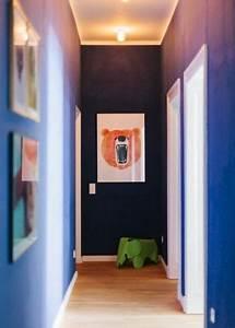 Farbgestaltung Flur Diele : schmalen flur farblich gestalten ~ Orissabook.com Haus und Dekorationen