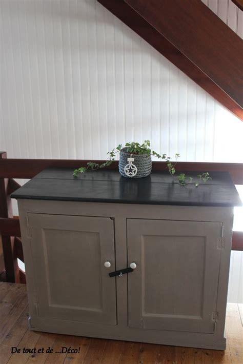 peinture cuisine liberon très vieux meuble relooké en taupe et noir peinture