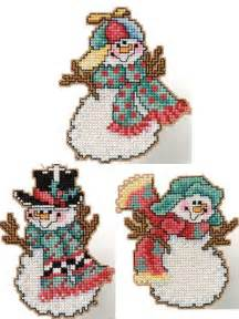 cross stitch stitched tumbling snowmen free cross stitch pattern