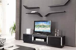 Decorating around a tv with decorative wall shelf