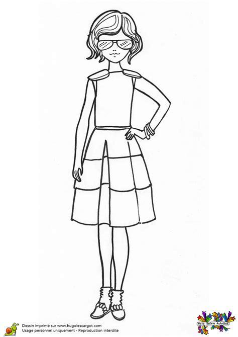 jeu fille cuisine coloriage fashionista et sa jupe plissée hugolescargot com