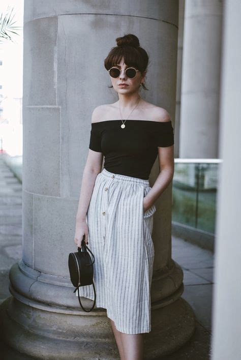 Best 25+ Vintage fashion style ideas on Pinterest | Conservative fashion Vintage outfits and ...