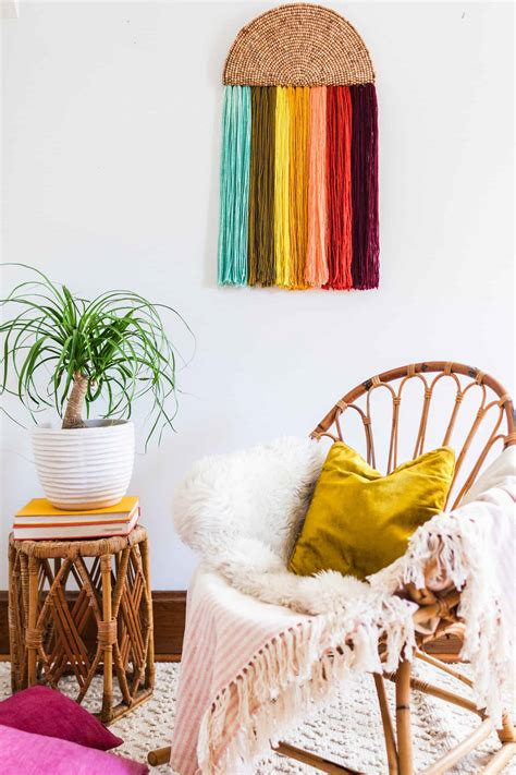 easy yarn wall art diy  beautiful mess