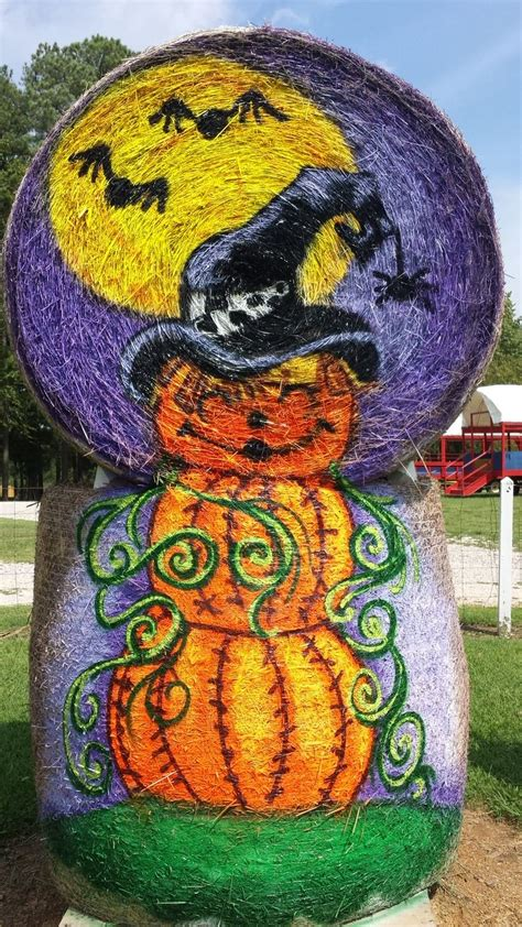Round Hay Bale Decorating Ideas