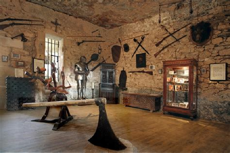 la maison forte de reignac lascaux dordogne your holidays in perigord noir