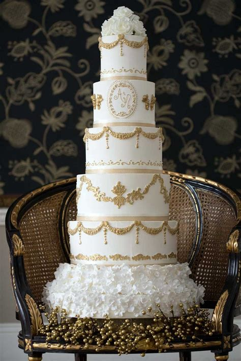 wedding cake prices guide  budgets