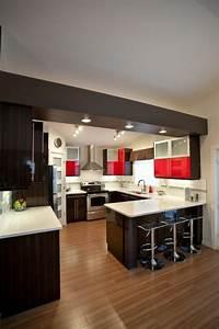 Chaises de cuisine rouge table damier rouge et blanc et 4 for Idee deco cuisine avec chaise salle a manger noire design