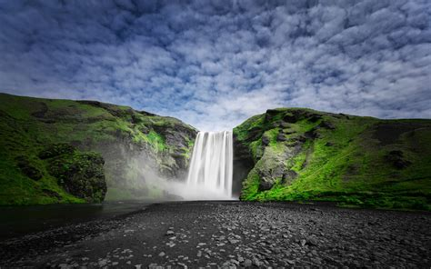 skogafoss waterfall   skoga river  iceland nature