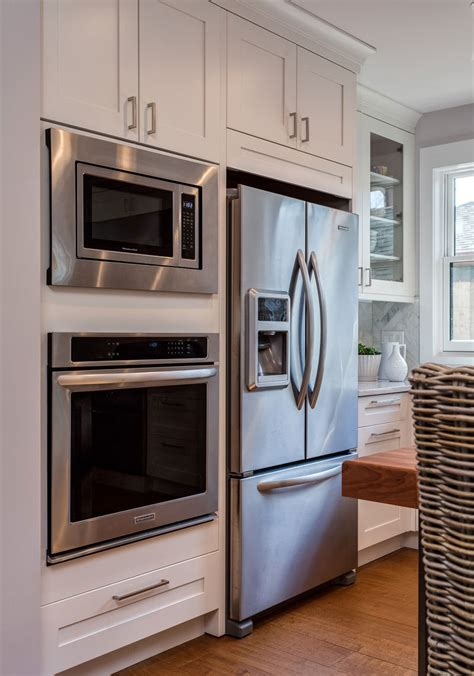 white shaker kitchen cabinets espresso island butlers pantry