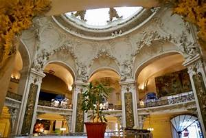 France Paris : Palais de la Découverte et Petit Palais