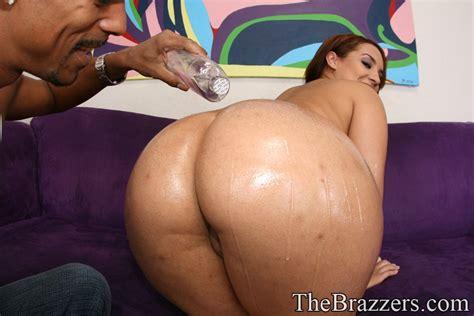 Latina With A Big Butt Victoria Allure Gets Into Interracial Ass Fuck Pornpics Com
