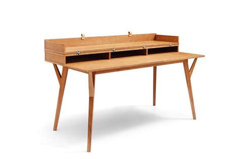 table de bureau design bureau design scandinave en bois et convertible emme