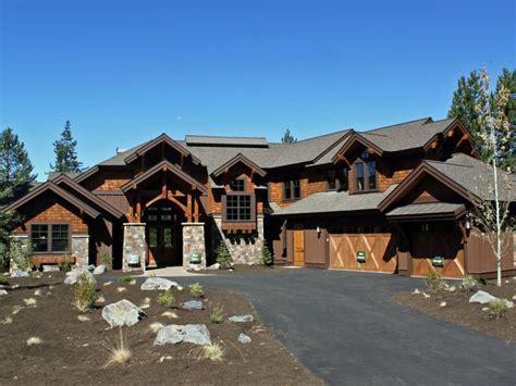 built by Pineriver Homes, 56580 Sunstone Lp., Sunriver, Oregon