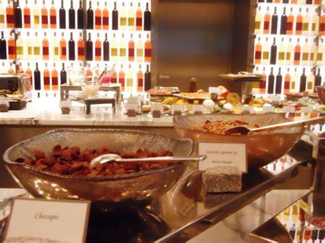 le cuisine brunch buffet set up for la cuisine le royal monceau