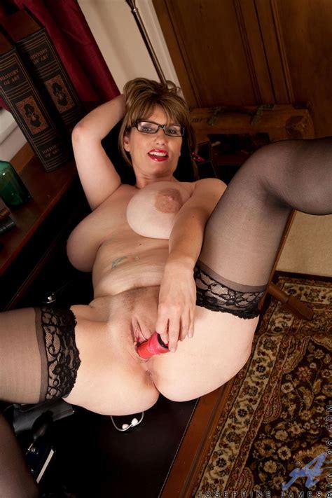 Anilos Com Freshest Mature Women On The Net Featuring Anilos Josephine James Mature Naked