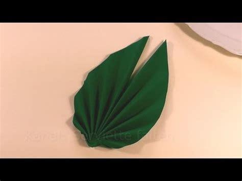 servietten falten ostern palmwedel blatt faecher