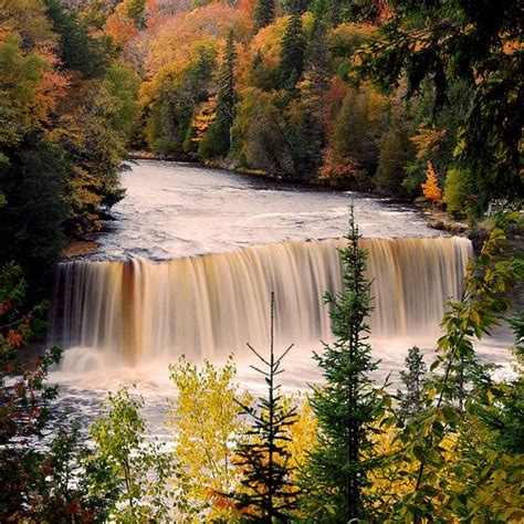 tahquamenon falls cabins tahquamenon falls michigan michigan facts
