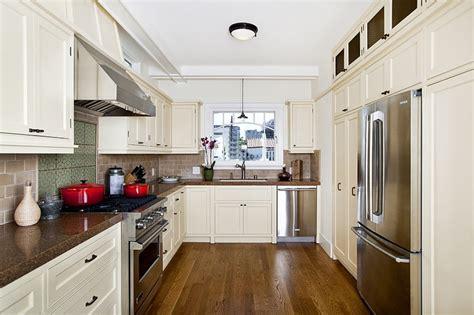 cape cod style kitchen cabinets cape cod style kitchen cabinets yale ave marina 8059
