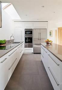 Moderne Fliesen Küche : 30 k chengestaltung beispiele schicke ideen f rs k chen ~ A.2002-acura-tl-radio.info Haus und Dekorationen