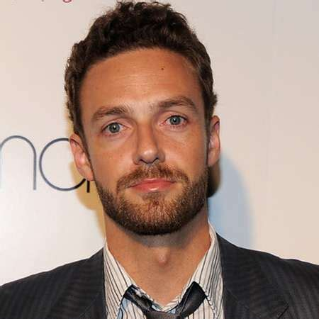 ross marquand biografia ross marquand bio married affair spouse salary net worth