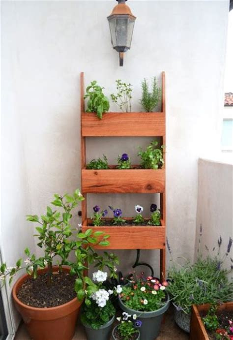 practical balcony storage ideas digsdigs