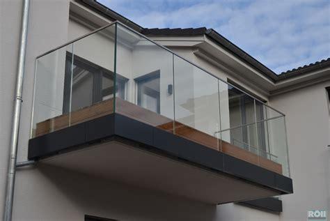 balkongeländer aus glas glas