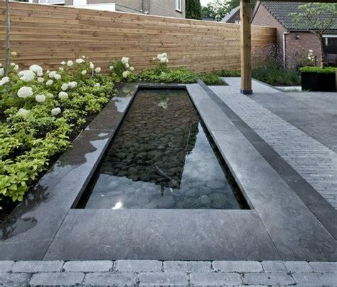 Wassereinrichtung Im Innenraumwasserbecken Mit Steinen wassereinrichtung mit steinen landschaft im