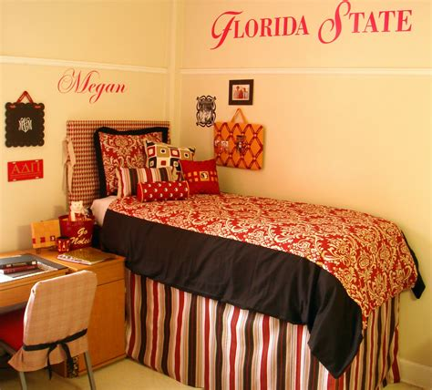 design my room decor 2 ur door how do i decorate my college room room bedding and decor