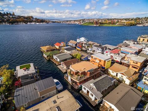 Boat Slip For Sale Seattle by Eastlake Floating Home For Sale 535 000 Owned Moorage