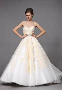 Robe de mariee princesse rose et blanche for Robe de mariée rose et blanche