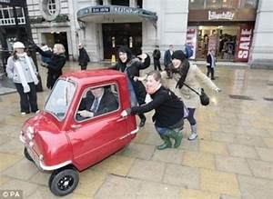La Plus Petite Voiture Du Monde : photo plus petite voiture du monde ~ Gottalentnigeria.com Avis de Voitures