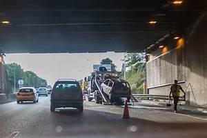 Autoroute A13 Accident : mantes la jolie une voiture en feu dans le tunnel de l a13 bloque la circulation la gazette ~ Medecine-chirurgie-esthetiques.com Avis de Voitures
