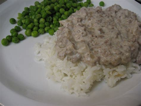 2 sachets 8g maggi® magic sarap®. ground beef cream of mushroom soup