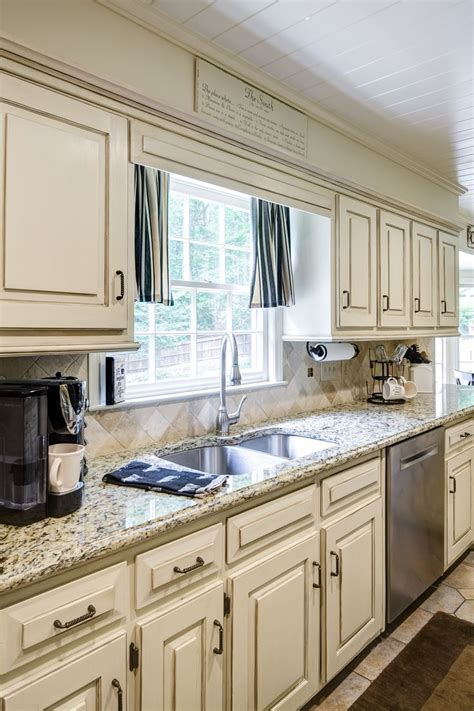 kitchen cabinets painted with sloan chalk paint 93 best cabinetry chalk paint 174 by sloan images on 9861