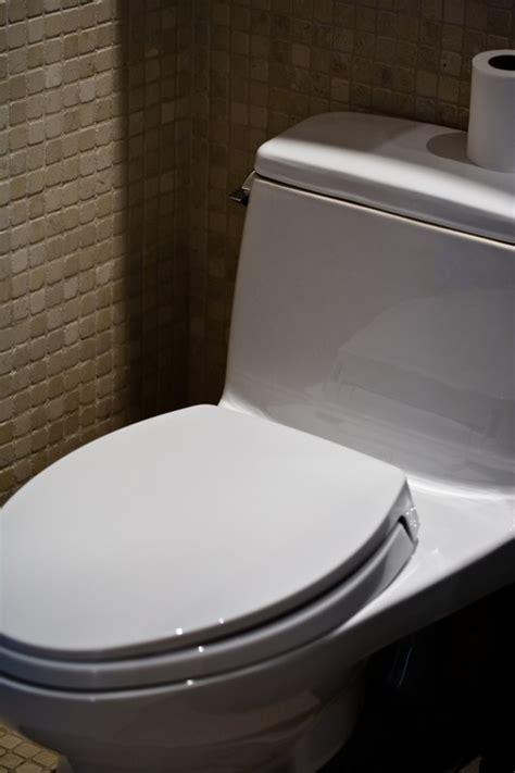 toilette wasser läuft toilettensp 252 lung einstellen 187 so wird s gemacht
