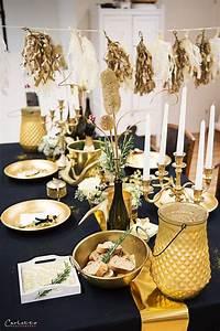 Tischdeko Schwarz Weiß Ideen : 25 einzigartige silvester deko schwarz gold ideen auf pinterest glitter ballons ~ Bigdaddyawards.com Haus und Dekorationen