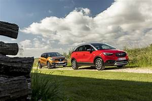 Opel Crossland X Fiche Technique : essai comparatif l 39 opel crossland x d fie le renault captur 2017 photo 1 l 39 argus ~ Medecine-chirurgie-esthetiques.com Avis de Voitures