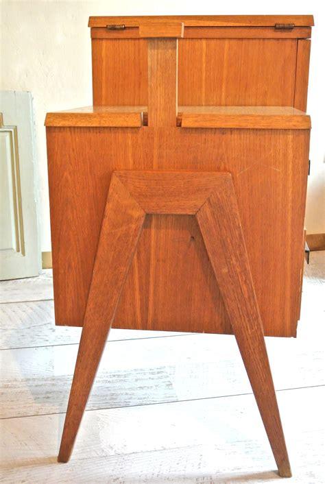 bureau 馥s 60 slavia vintage mobilier vintage bureau pieds compas des ées 60 quot décalé quot