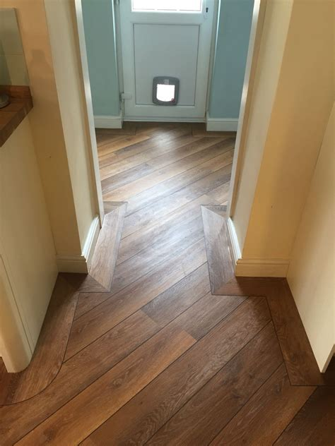 kitchen and hallway flooring karndean wood laid to kitchen and utility with border and 5002