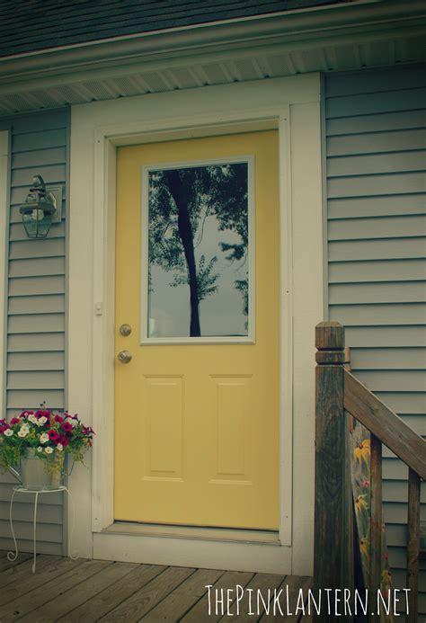 the pink lantern yellow doors a flip flop wreath