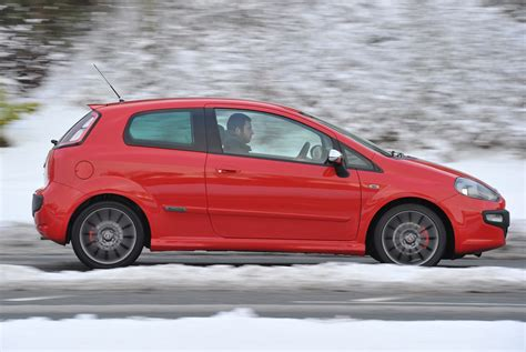 Fiat Punto Review by Fiat Punto Evo Hatchback Review 2010 2012 Parkers