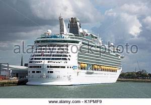 Port of Southampton Navigator of the Seas cruise ship ...