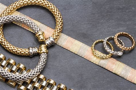 Mixing Gold and Silver Jewelry - When is it Fashionable
